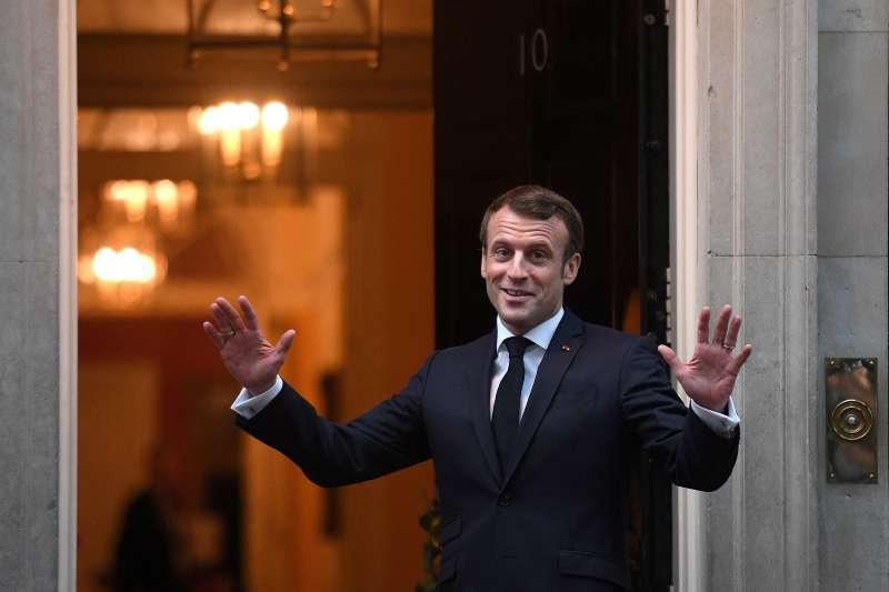 法國總統馬克宏日前批評北約「瀕臨腦死」後,出席北約70周年峰會。(AP)