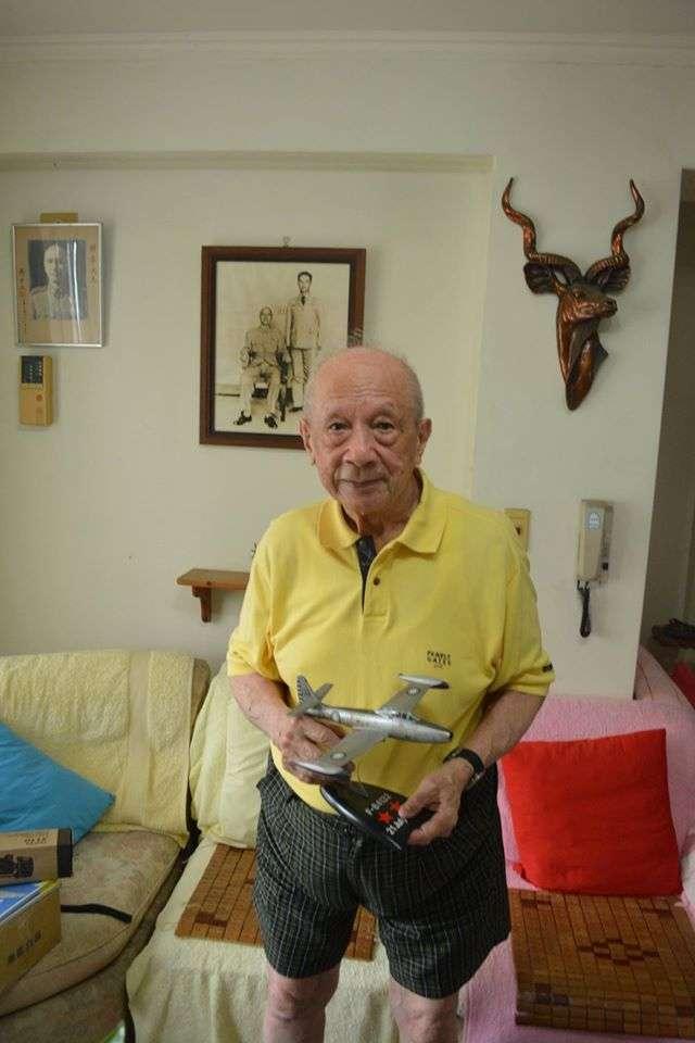 Ouyang.jpg 中德混血的歐陽漪棻,在1956年7月21日的空戰中創下擊落兩架MiG-17戰鬥機的紀錄,是中華民國空軍的哈特曼(Erich Hartmann)。(許劍虹提供)