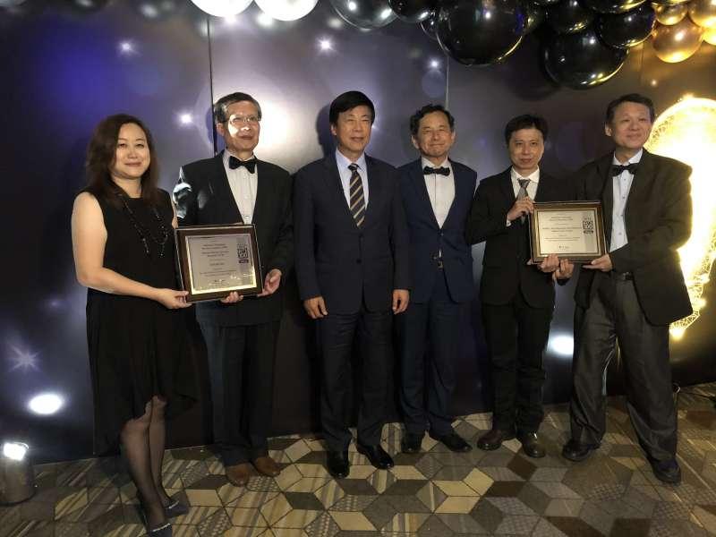 工研院研發「RAIBA可動態重組與自我調節之電池陣列系統」、「仿生多突狀磁珠製備技術」,雙雙抱回「2019全球百大科技研發獎」。(圖/工研院提供)