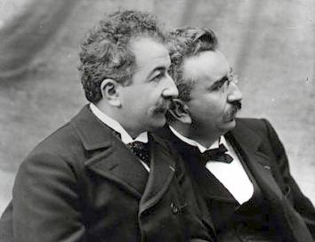 法國電影發明人盧米埃爾(Louis Lumiere)兄弟(圖/維基百科)