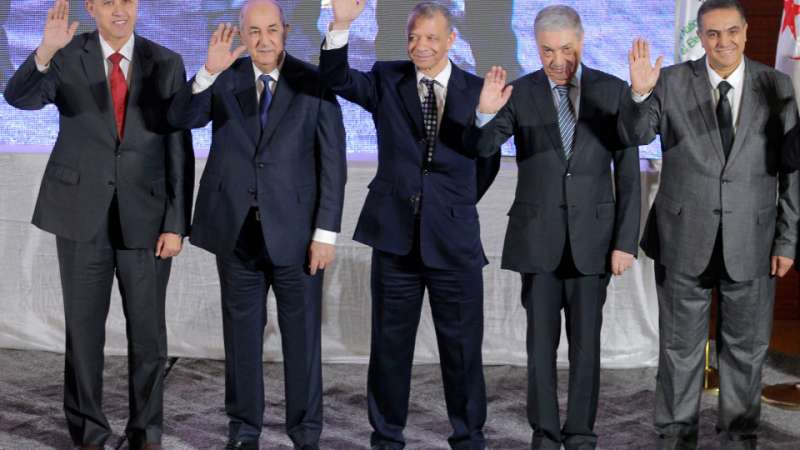 阿爾及利亞2019總統大選5位候選人,左起為前文化部長米胡韋比、前總理特本、建設運動黨主席班格里納、前總理班弗利斯、未來陣線黨領導人貝萊德。(AP)