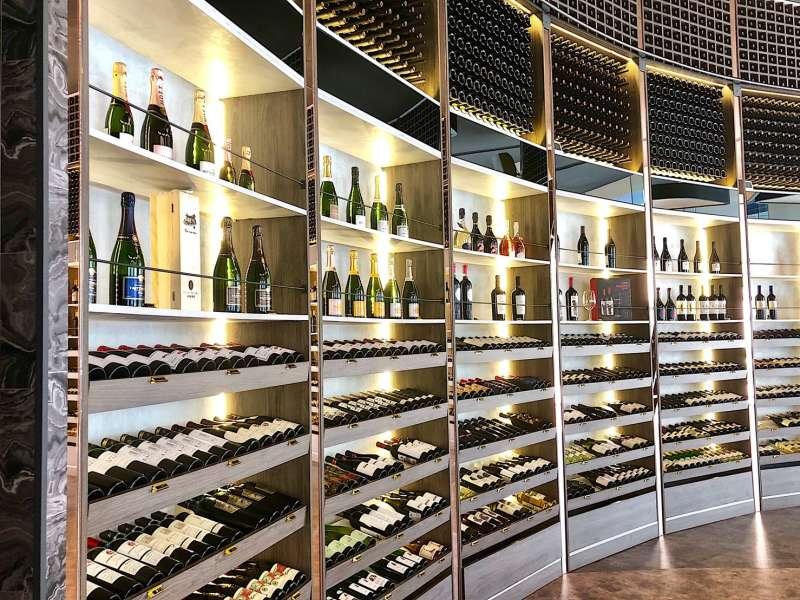 品飲葡萄酒早已是品味生活的象徵,但也有相當大的知識誤區存在(圖 / 加佳酒提供)