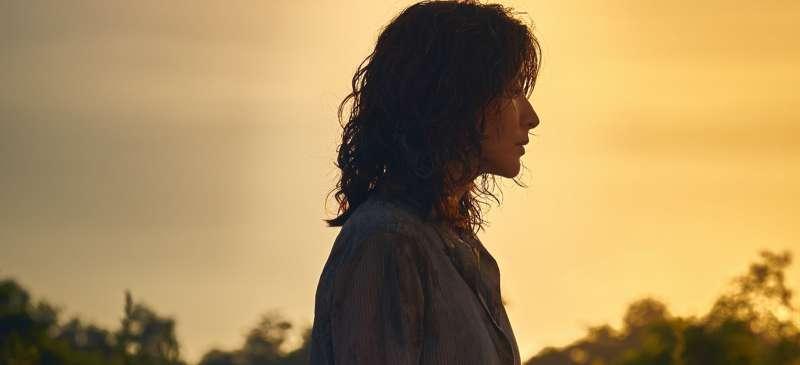 先失去丈夫,再失去孩子的正妍(李英愛飾),有如行屍走肉般,了無生氣。(圖/IMDB)