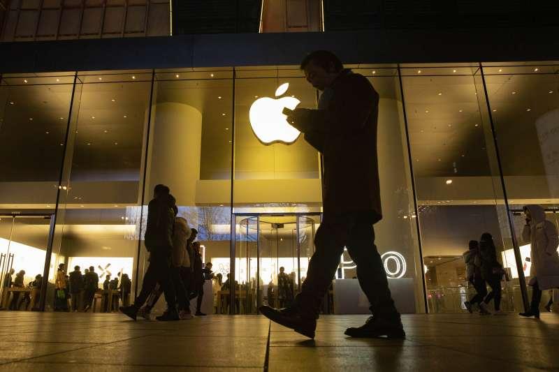 中美貿易戰,中美第一階段協議達成,美國取消12月15日欲對1600億美元中國商品施加的關稅,其中多數是消費性產品。(AP)