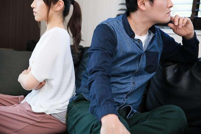 情侶朋友吵架總是難免,有時情緒上頭就是需要一吐為快。(圖/photo-ac)