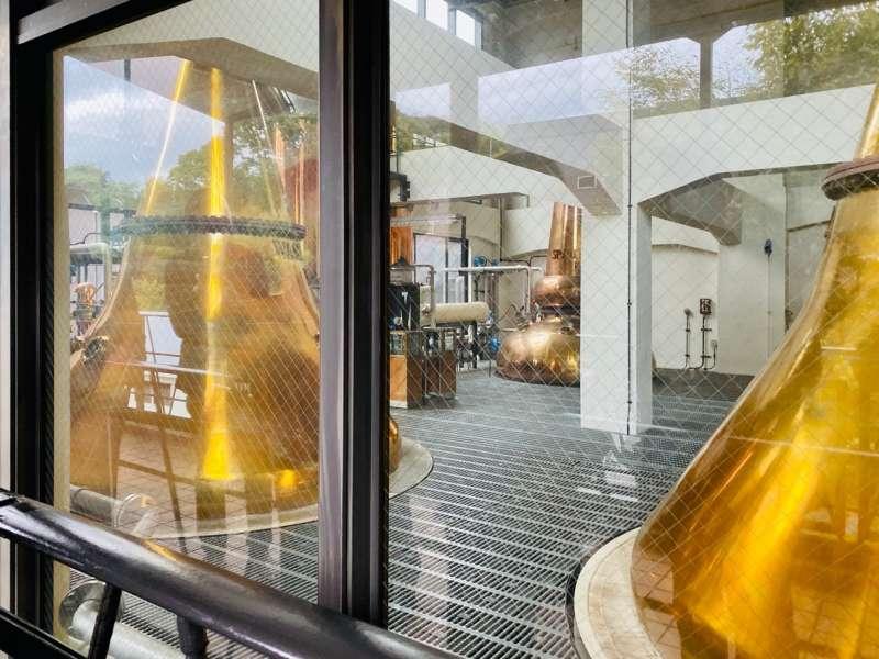 山崎蒸餾所新建蒸餾室。(圖/作者提供)