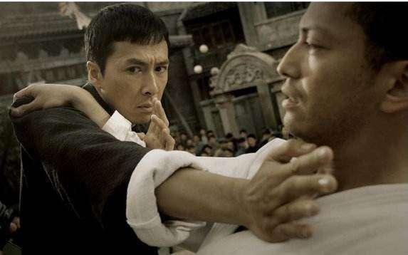 葉問與當時在香港的日本最高領事對戰,最終取得勝利。(圖/取自網路)