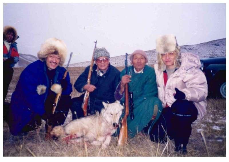 獵狼,作者、高陶甫、歐德蘇倫、我的同學劉士台(由左至右)。(作者海中雄提供)