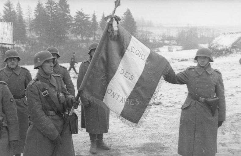 志願替納粹打仗的法國人所在多有,未必都期待來自美國的解放,圖為在東線戰場參戰的第33武裝擲彈兵師。相較於美國宣傳的自由民主,他們更認同泛歐洲民族主義。(作者許劍虹提供)