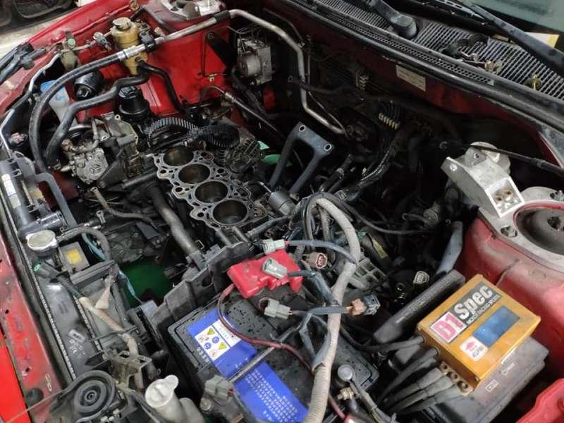 整個引擎派料料,修理費用超過五萬......。