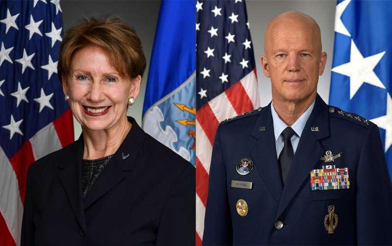 美國空軍部長巴瑞特(Barbara Barrett,左)與太空軍(Space Force)太空作戰長雷蒙德(John Raymond)(U. S. Space Force)