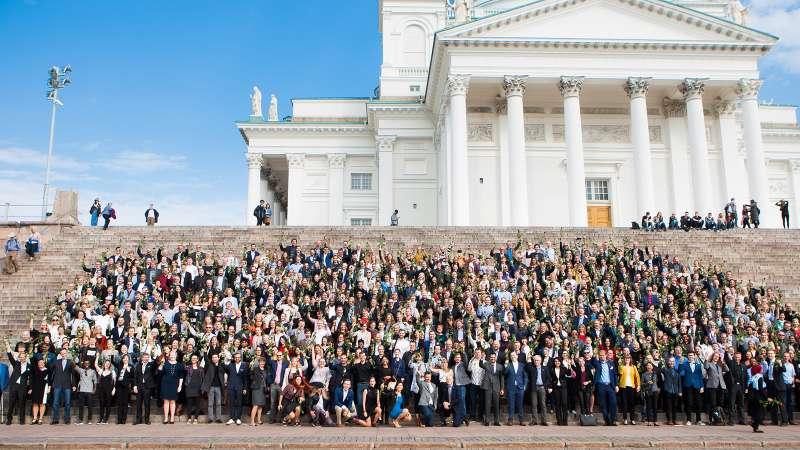 芬蘭網路課程「人工智慧基本要素」(The Elements of AI)備受讚譽,已有22萬名學生修習(Reaktor)