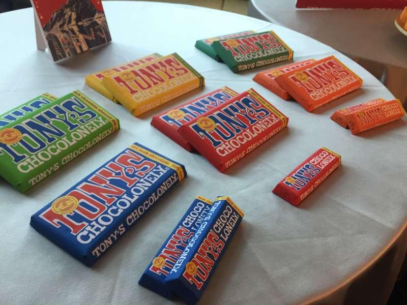 荷蘭超人氣品牌「東尼寂寞巧克力」(Tony's Chocolonely)進軍台灣,推廣「零剝削」公平貿易。(王穎芝攝)