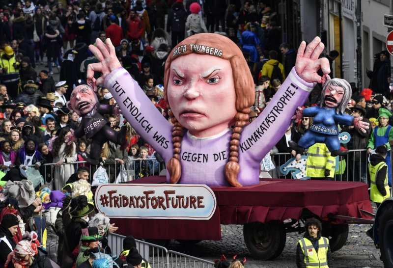 2019年3月4日,德國杜塞道夫民眾響應瑞典少女通貝里發起的氣候抗爭示威行動(美聯社)