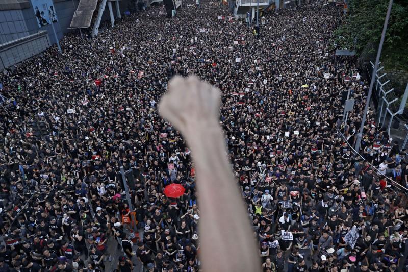 2019年6月16日,香港反送中的示威活動,上百萬民眾參與(美聯社)