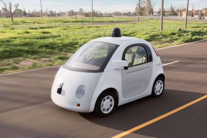 雖然各大廠商花了大筆資金投入,自動駕駛技術仍不夠成熟。(Marc van der Chijs@Flickr)