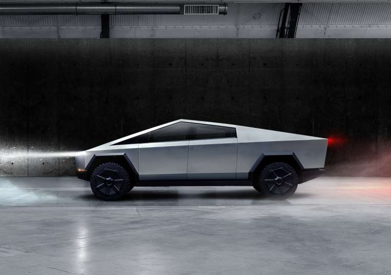 Cybertruck造型相當科幻,更採用Ultra-Hard 30X冷軋不銹鋼車體打造。(圖/車訊網)