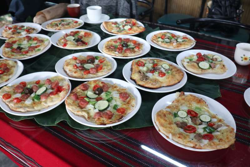 以三酸入味,窯烤披薩DIY,作出屬於自己風味的披薩。(圖/記者王秀禾攝)