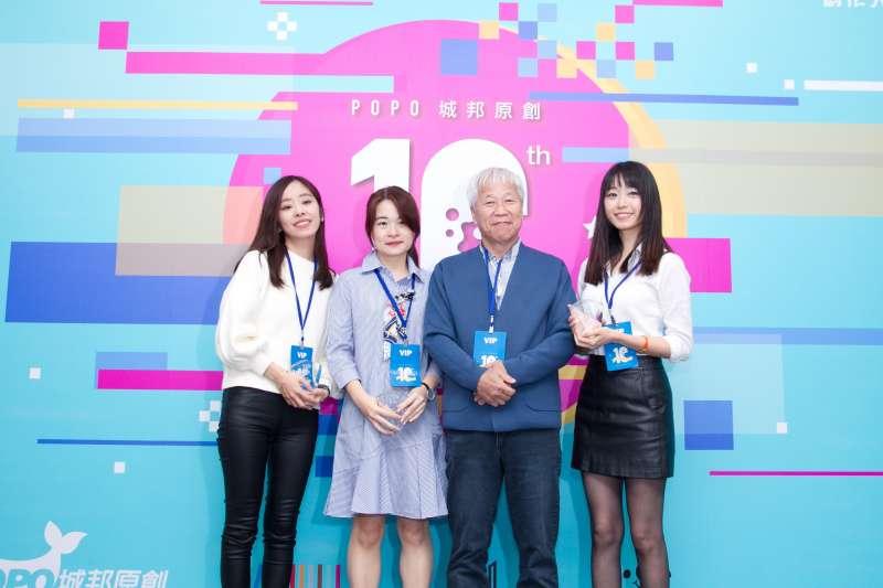 圖說:左起依序為作家晨羽、瑪琪朵、城邦集團董事長何飛鵬、以及作家Misa。(圖/風傳媒攝)