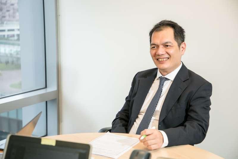 圖說:產品總監李利國負責全台灣肝炎的相關業務,他認為吉立亞跟別人最大的差別就是把科學跟創新當作DNA,研發能力非常強。(圖/風傳媒)