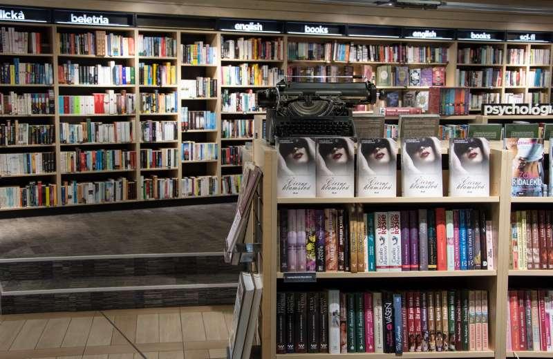 過去10年來,許多連鎖書店倒閉,而獨立書店捲土重來(取自Pixabay)