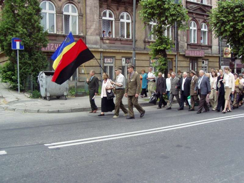 烏克蘭起義軍抵抗蘇聯,後來也因為納粹變態的種族政策與德軍翻臉,被視為烏克蘭民族愛國主義的象徵。(照片來源:Birczanin)