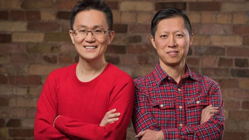創始人艾倫·劉(左)和伊萬·袁於2006年創辦Wattpad。(圖/BBC News)