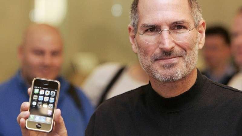 蘋果手機的發佈極大幫助Wattpad的增長。(圖/BBC News)