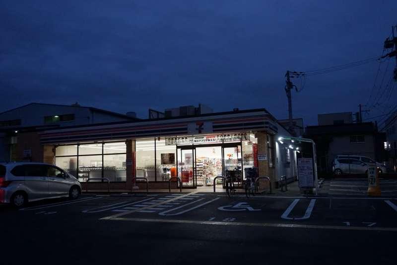 東大阪市・南上小阪店以「7–11加盟店」身份最後一天營業的身影。2019/12/30(圖/CHANG, Yu-Chieh)