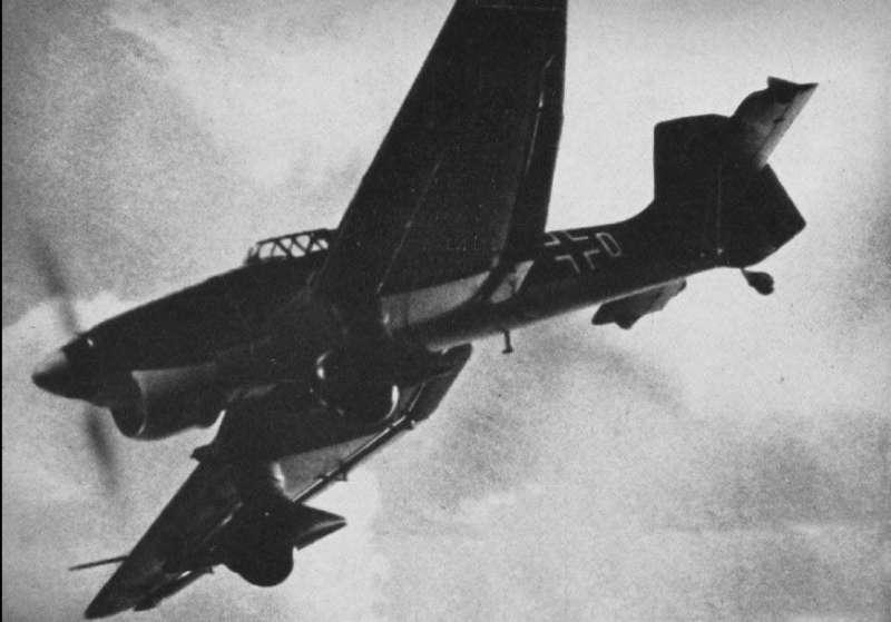 1940年正俯衝攻擊的Ju 87轟炸機(圖/維基百科)