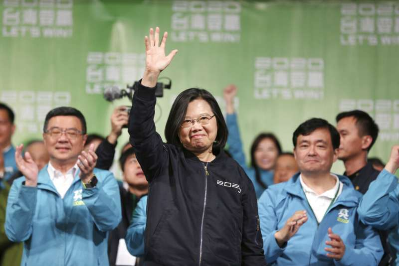 蔡英文總統以817萬票的優異表現成功連任。(美聯社)