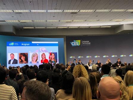 2020年CES大展,7日圓桌論壇現場上擠滿各國記者與聽眾。(圖片來源:作者提供)