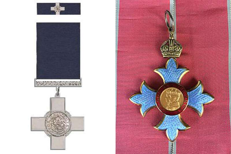 努爾死後被英國政府追授「喬治勳章」和「大英帝國勳章」(圖/取自維基百科)