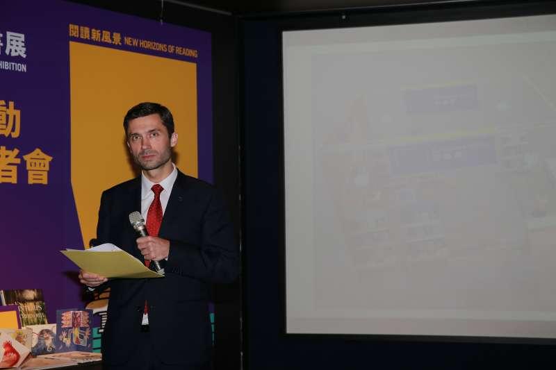 20200114-台北書展基金會今(14)日公布上千場次講座、作家對談及特展的活動,歐盟辦事處處長高哲夫(Filip_Grzegorzewski)也介紹歐盟館展覽內容。(文化部提供)
