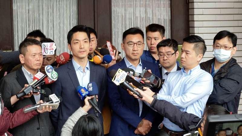 20200114-國民黨大選大敗,包含立委江啟臣(左三)、蔣萬安(左二)、林為洲(左一)、台北市議員徐弘庭等均表態辭去中常委。(潘維庭攝)