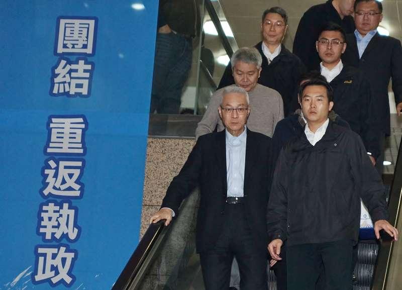 20200115-國民黨主席吳敦義15日出席中常會,會後短暫現身。(盧逸峰攝)