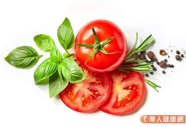 番茄、菠菜、芥藍、萵苣、紅蘿蔔、彩椒、地瓜葉等,含多酚、類胡蘿蔔素可抗發炎。(圖/華人健康網)