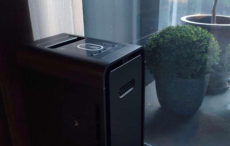 機能始終是空氣清淨機的出發點,Braun SensorAir 搭配少見的 ifD 過濾技術與 VOC 顆粒活性碳濾網,有效帶來理想室內空氣品質(攝影 / 風傳媒)