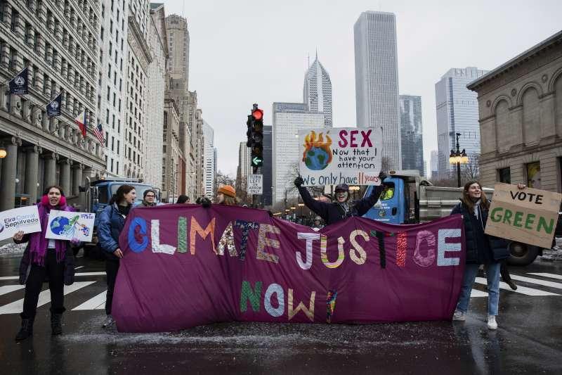 2020年1月18日,美國總統川普就任3周年之際,全美各地發起「女人進軍」(Women's March)遊行。(AP)