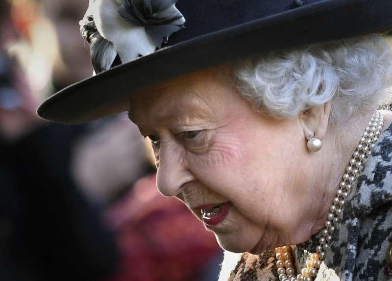 2020年1月19日,英國女王伊麗莎白二世出席禮拜(AP)