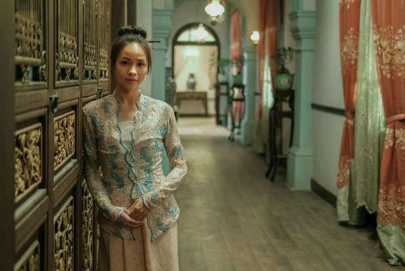 黄姵嘉在劇中飾演被迫與林氏家族少爺「冥婚」的少女麗蘭(圖/Netflix Asia)