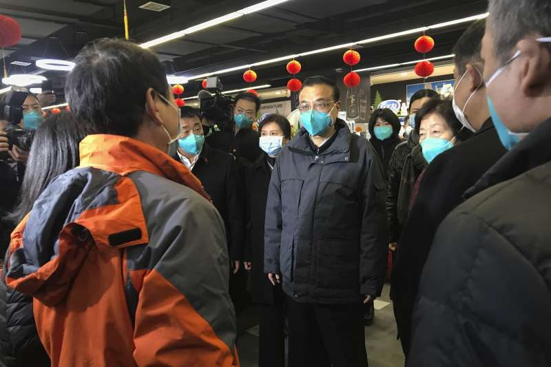 中國武漢肺炎疫情惡化擴散,國務總理李克強前往當地視察(AP)