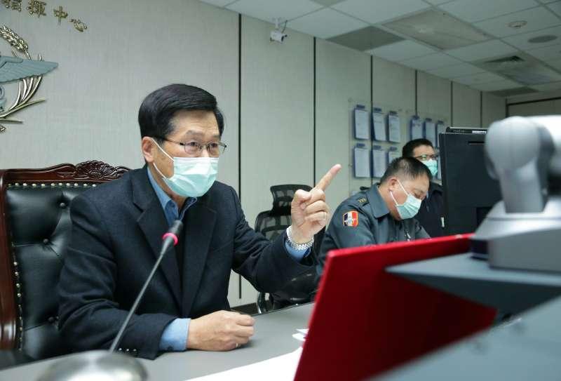 20200130-武漢肺炎疫情延燒,國防部長嚴德發30日前往國軍聯合作戰指揮中心進行視訊會議,指示各單位全力進行防疫工作。(取自軍聞社)