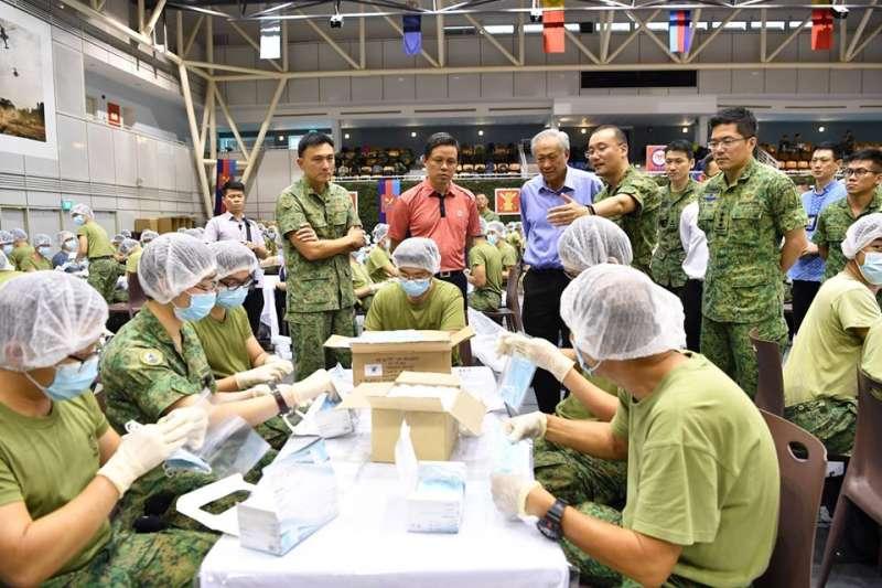 2020年1月,武漢肺炎疫情入侵新加坡,軍方全面協助防疫(星國軍方臉書)