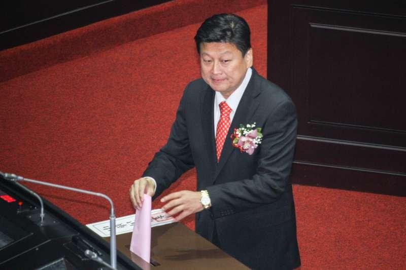 20200201-立法院舉行新任正副立法院長選舉,圖為立委傅崐萁進行投票。(蔡親傑攝)