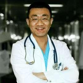 薄世寧,北京大學臨床醫學博士,美國布朗大學公派訪問學者。國家突發事件緊急醫學救援現場處置指導專家。現任職於北醫三院重症醫學科。(圖/百度百科)