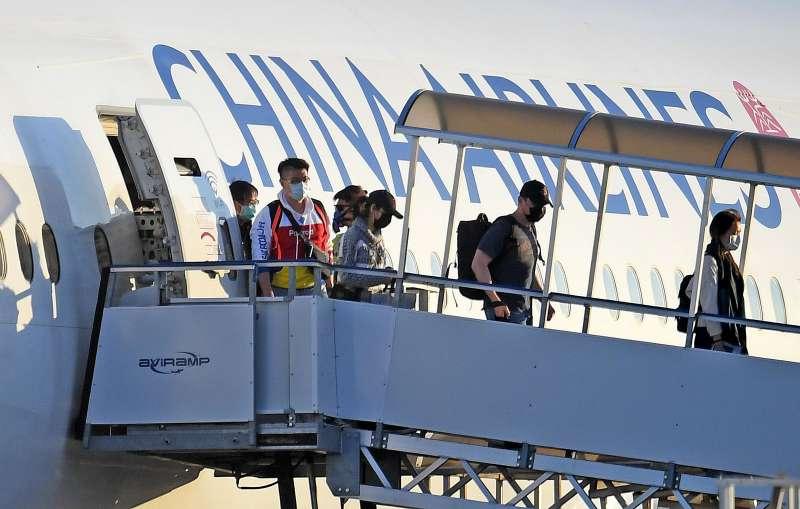 1 月 28 日,中華航空由台北出發至加拿大安大略的客機。圖/*CUP