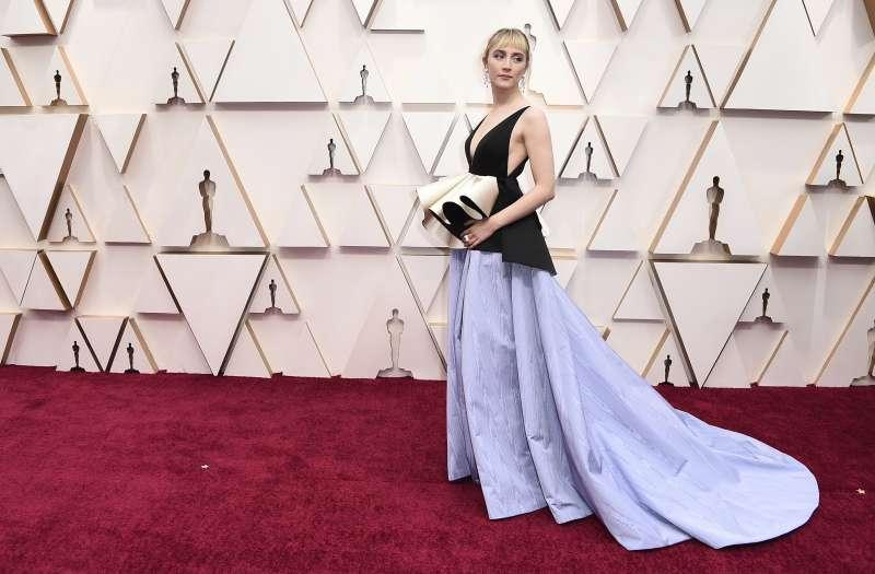 第92屆奧斯卡紅毯,憑電影《她們》入圍影后的女星瑟夏羅南(Saoirse Ronan)(AP)