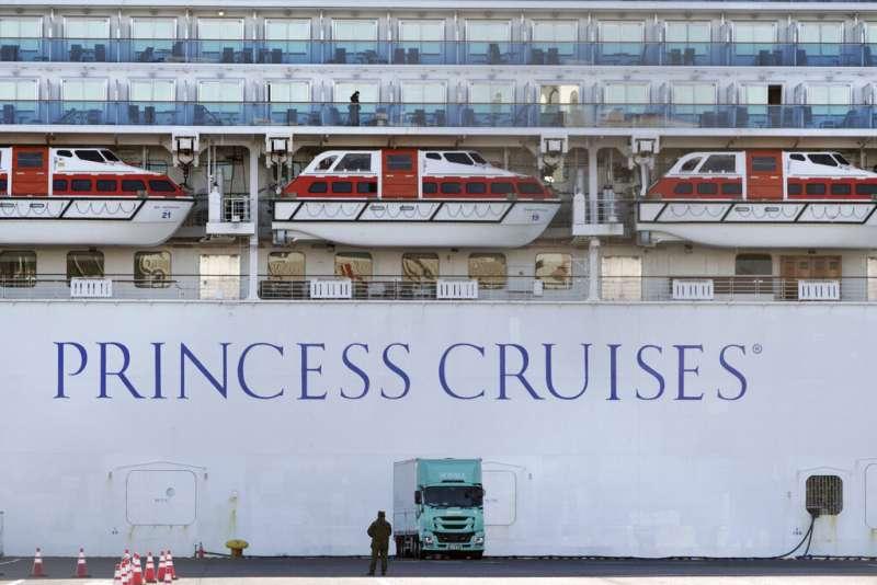 鑽石公主號目前仍有三千多人在船上隔離。(美聯社)