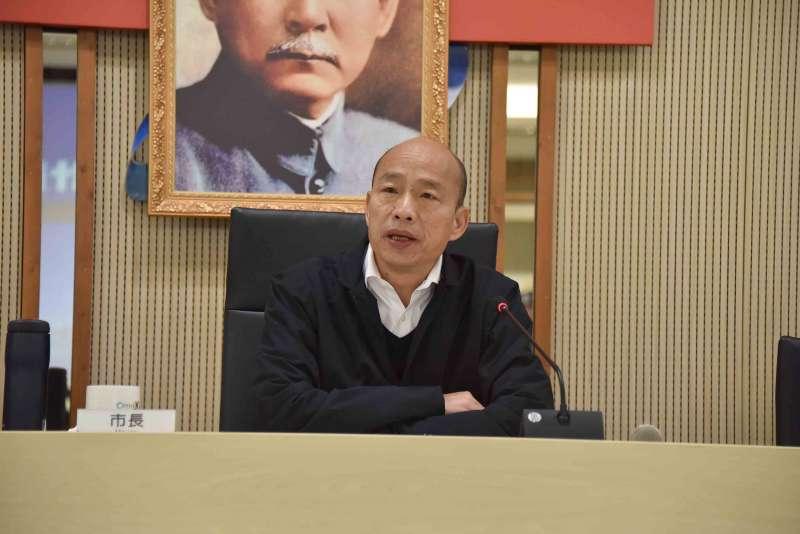 20200211-高雄市府今(11)日公布「飛躍一百、滿天星計畫」,市長韓國瑜表示,台灣未來最重要的就是人才,所以高市府率先推出滿天星計畫,他相信參與滿天星的學生與公務員,都可以增加語言能力、解決生活困難能力、與世界交朋友能力以及膽量。(高市府提供)